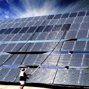 Limpieza de panel solar